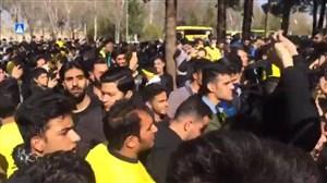 تجمع اعتراضی هواداران سپاهان مقابل هتل