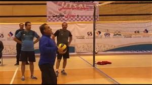 تمرین والیبال فرهاد کاظمی و بادرانی ها در روز بارانی تهران
