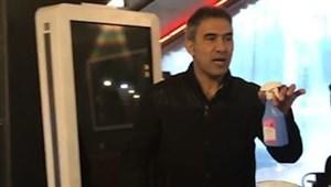 احمدرضا عابدزاده در خط مقدم مبارزه با کرونا