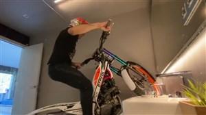 قرنطینه و تمرین موتورسواری کوهستان در خانه!