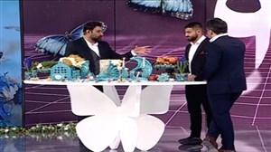 واکنش علی طوفانی بعد از شنیدن نام مجری برنامه زنده