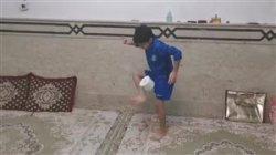 چالش روپایی با دستمال بنیامین کودک افغانستانی