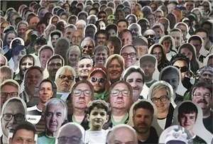اعتراض آلمانی به بازیهای بدون تماشاچی(عکس)