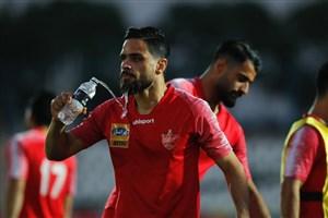 درخواست گل محمدی برای تعویق بازی های لیگ برتر; بازیکنانم خسته اند