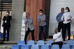جنب و جوش حمیداوی با فریاد از جایگاه(عکس)