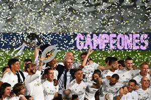 جشن قهرمانی بازیکنان رئال مادرید در لالیگا