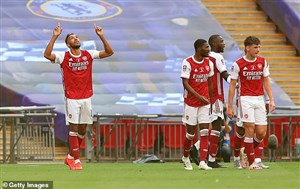 حواشی دیدارهای مهم شب گذشته فوتبال اروپا