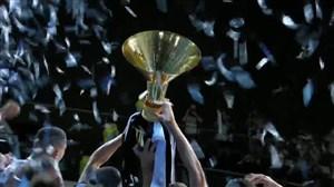 لحظه بالا بردن جام قهرمانی سری آ توسط بونوچی و کیلینی