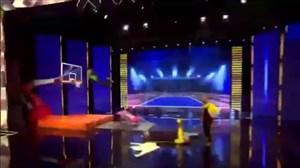 اجرای حرکات نمایشی بسکتبال در برنامه عصر جدید