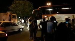 کارناوال شادی در رفسنجان؛جشن بازیکنان در اتوبوس ویژه