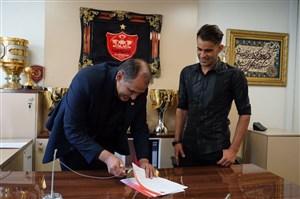 انتقاد مجری تلویزیونی از مبلغ قرارداد آل کثیر با پرسپولیس