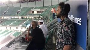گزارشگر الکاس در حال گزارش بازی پرسپولیس و التعاون