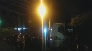 قدردانی هواداران پرسپولیس جلوی منزل عیسی آل کثیر