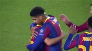 گل چهارم بارسلونا به فرانس واروش توسط پدری