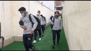 ورود تیمهای تراکتور و نساجی به استادیوم شهید وطنی