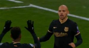 گل دوم بارسلونا به دیناموکیف (برایت وایت)