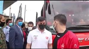 ورود کاروان پرسپولیس و نفت به استادیوم شهید محمدی مسجدسلیمان