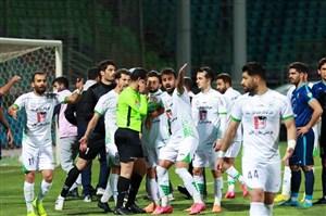 یک بازیکن ایرانی گفت خطا روی من پنالتی نبود!