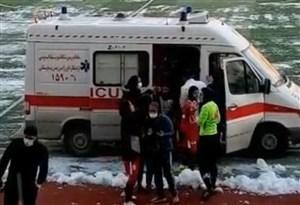 گرم شدن بازیکنان در آمبولانس به جای رختکن در لیگ بانوان!