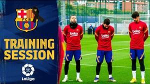 تمرینات آماده سازی بازیکنان بارسلونا با سکوت به احترام مارادونا
