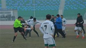 ضرب و شتم باورنکردنی داور در لیگ ازبکستان
