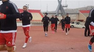 ورود بازیکنان ماشین و تراکتور به زمین ورزشگاه یادگار امام