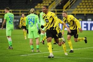 دورتموند و پیروزی در اولین بازی سال جدید (عکس)