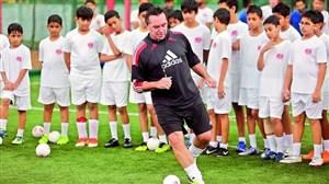 تام بایر: تمرینات آرات حسینی را تایید نمیکنم