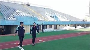 ورود بازیکنان آلومینیوم به ورزشگاه برای دیدار با پرسپولیس