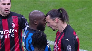 درگیری زلاتان و لوکاکو در جریان بازی میلان - اینتر