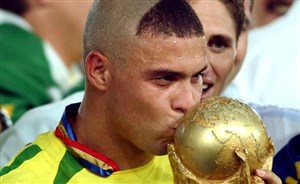 رونالدو برزیلی:/ معذرت از همه مادران؛ مدل مویم افتضاح بود