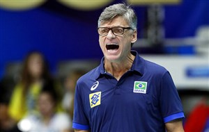 سرمربی والیبال برزیل به دلیل کرونا بستری شد