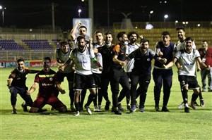 پس از سه ماه، مسجدسلیمان رنگ پیروزی را دید؛/ جشن نفتیها برای اولین برد با فکری (عکس)