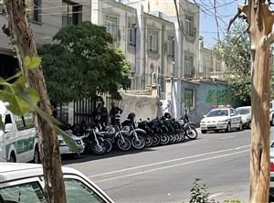 یگان ویژه، مانع از تجمع هواداران استقلال (عکس)