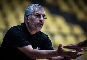 توفان سرمربی تیم ملی بسکتبال علیه منتقدان