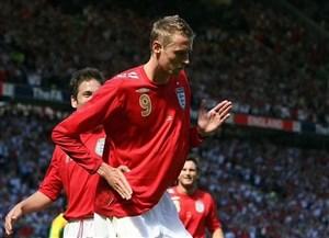 بازیهای ملیام را میدهم تا برای این انگلیس بازی کنم!