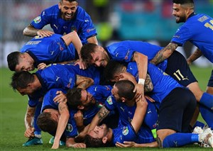 ایتالیا 1(4)-(2)1 اسپانیا: آتزوری به ومبلی میرود