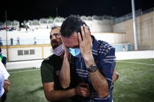 رضا عنایتی؛ قهرمان شنا در آب جوش!