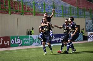 جشن اسلامی مقابل استقلال خراب شد(عکس)