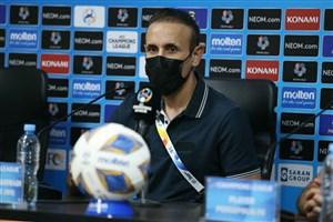 گلمحمدی: جو این ورزشگاه وحشتناک بود