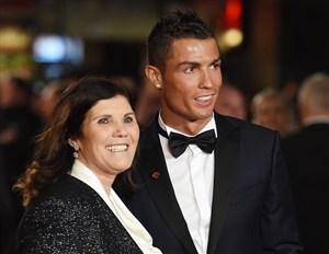 مادر رونالدو: اگر کریس به اسپورتینگ نرود، پسرش میرود