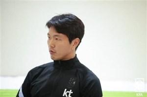 کیم یانگ وون: برای نسل بعدی فوتبال کره بازی میکنیم!